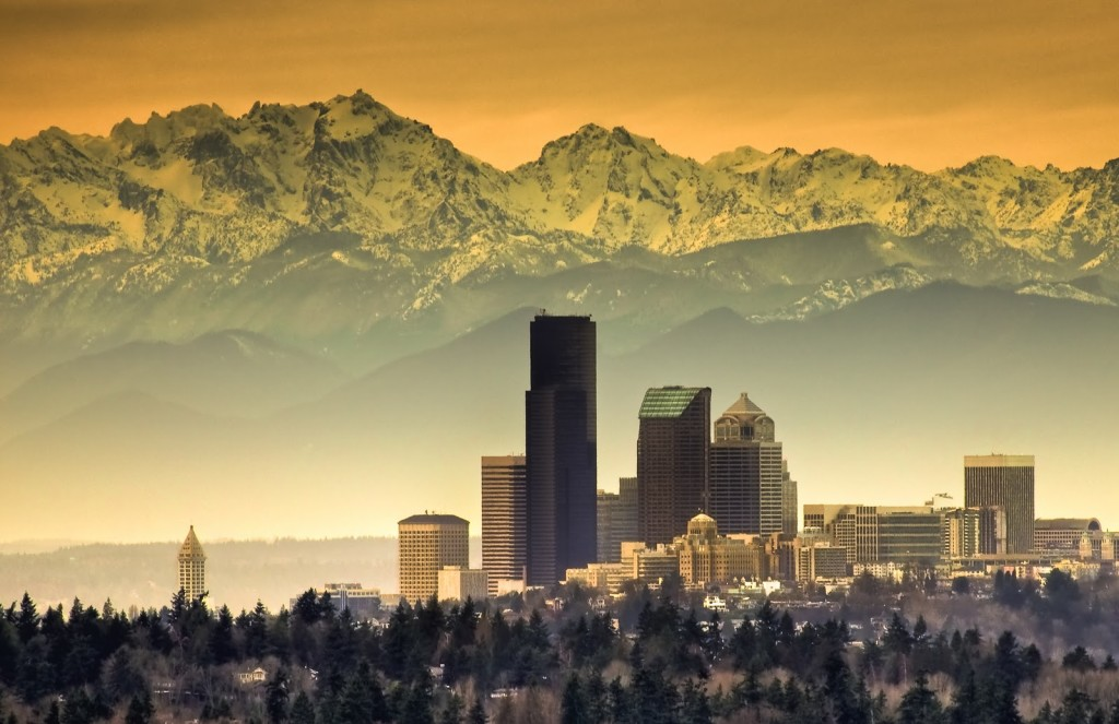 seattle_and_mountains